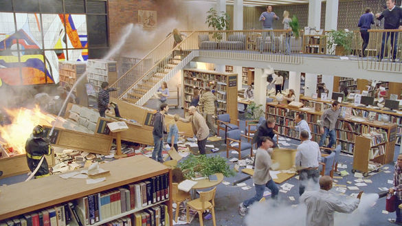 Violência na biblioteca