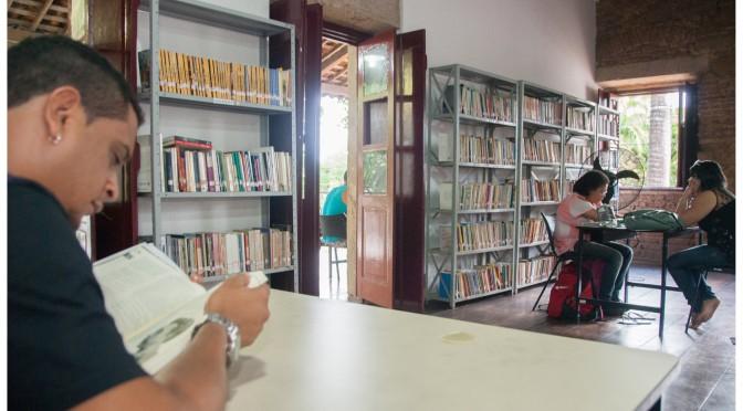 Qual sua experiência inesquecível na biblioteca?