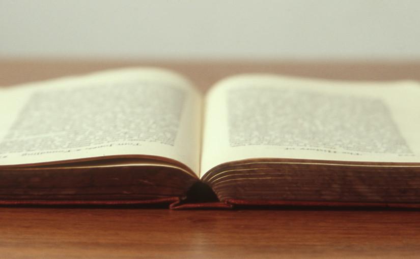 Resenha: Um corpo na Biblioteca